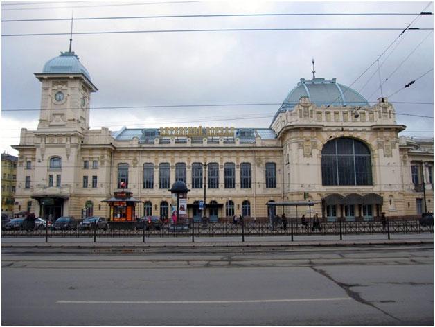 Здание Балтийского вокзала вид с улицы